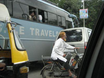 Pune:Männer mit orangefarbenen Haaren
