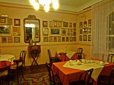 Lemberg: Wohnzimmerrestaurant