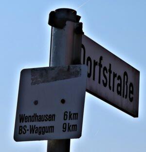 Abzweig nach Wendhausen