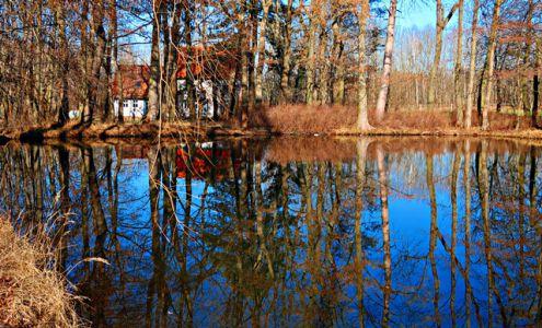 Idyllischer See am Gutshof