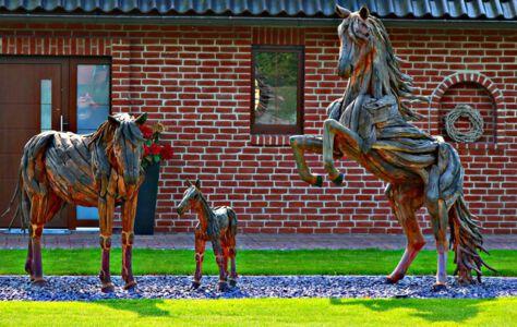 Pferdeskulptur in Rötgesbüttel