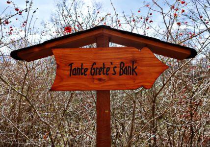 Tante Grete's Bank