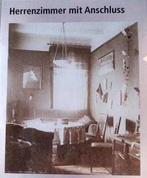 Herrenzimmer mit Anschluss