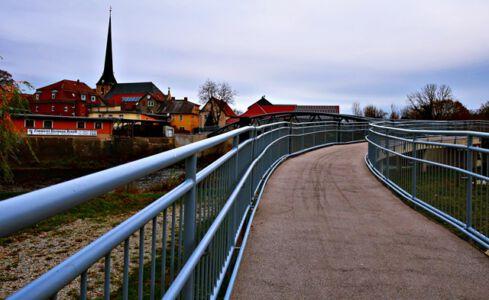Rad- und Fußgängerbrücke in Camburg