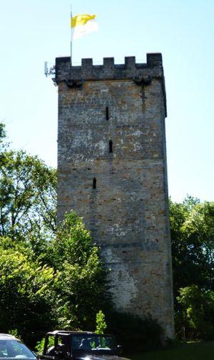 Eckiger Bergfried