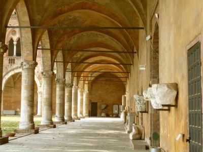 Castello Pavia_Innenhof4