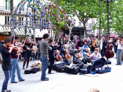 Livekonzert_vor_dem Grand Palais