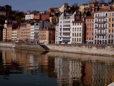 Le vieux Lyon: Blick auf die Altstadt von einer Brücke
