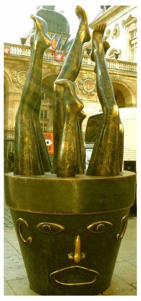 Statue vor der Oper
