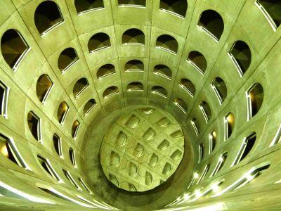 Kaleidoskop in einem Lyoner Parkhaus