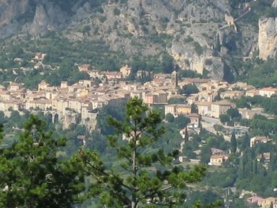 Moustiers2