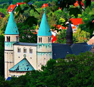 Das Portal der Sankt Cyriakus-Kirche