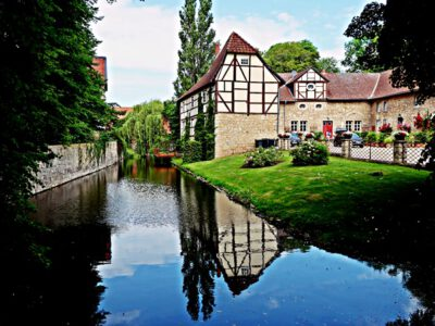 The moated castle of Veltheim